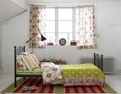 mixed prints bedroom...Gudrun Sjoden