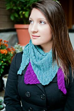 Buckman Bikerchief pattern by Rose Sabel-Dodge; part of the Neighborhood Knits & Crochets Too: 2014 Rose City Yarn Crawl Pattern Collection eBook available on Ravelry. Photography by Joanna Schilling of Ember Owl Photography.