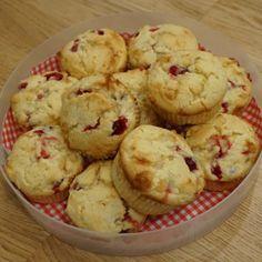 Martsipani-jühvikamuffin | Muffin with Marzipan and Cranberrys