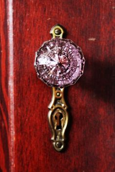 Need this for my closet door. Door Handles, Vintage Porch, Pink Door, Colored Glass, Pink Glass, Doorknockers, Doors And Hardware, Beautiful Doors, Vintage Door