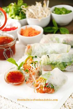 Rollitos vietnamitas de salmón