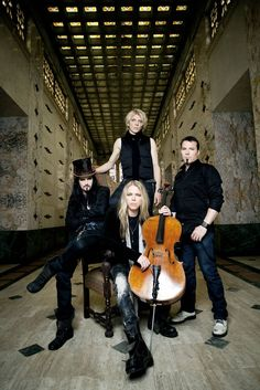 Apocalyptica: 4 gorgeous finnish men playing Metallica covers on electric…