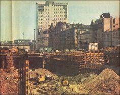 """1973 , """"Plac budowy Dworca Centralnego w wykopie od strony Al. Jerozolimskich, na drugim planie ciąg alej z gmachem hotelu """"Polonia"""", w głębi hotel """"Forum"""" - zdjęcie pochodzi z tygodnika Stolica nr 24 (1332) 17.06.1973"""