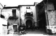 CAN GEPETA Adreça:C/ de les Monges, 21-23-25-27 Localització:Girona (Gironès)