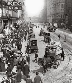 State Street, ca. 1903, I love that you can see the Marshall Field's clock!