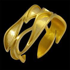 Anel BONINA. Disponível em Ouro 18K, Prata e Gold Plated. Anel Regulável, adapta-se a todos os tamanhos de dedos. Larg: 1,0 cm