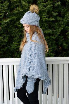 Ravelry: Frosty Waves Hefte/E-book pattern by Hilde Sørum Wave Design, Alpacas, Mittens, Ravelry, Winter Hats, Waves, One Piece, Pattern, Stuff To Buy