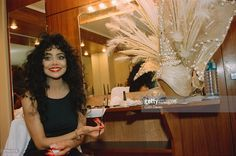 American singer La Toya Jackson backstage at her own revue, 'Formidable', at the Moulin Rouge cabaret in Paris, France, March Jackson Family, Jackson 5, The Jacksons, Cabaret, American Singers, Hottest Photos, Backstage, Supermodels, Famous People