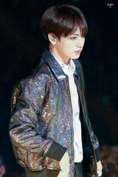 Find images and videos about kpop, bts and jungkook on We Heart It - the app to get lost in what you love. Jungkook 2018, Jungkook Jeon, Kookie Bts, Bts 2018, Bts Bangtan Boy, Jung Kook, Vmin, Busan, Rapper