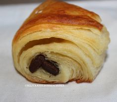 Croissants et pains au chocolat au feuilletage rapide(et facile!) au lait fermenté...