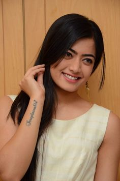 Indian beautiful teenage girls sexy navel images and thunder thighs sexy legs images and sexy boobs picture and sexy cleavage images and spi. Beautiful Girl Photo, Beautiful Girl Indian, Beautiful Girl Image, Beautiful Smile, South Indian Actress Photo, Indian Actress Photos, Indian Actresses, Stylish Girl Images, Stylish Girl Pic