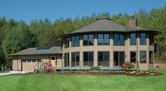 round energy efficient deltec homes Yurt Home, Prefab Buildings, Prefabricated Houses, Building Systems, Building Designs, Building Ideas, Round House, Prefab Homes, Home Pictures