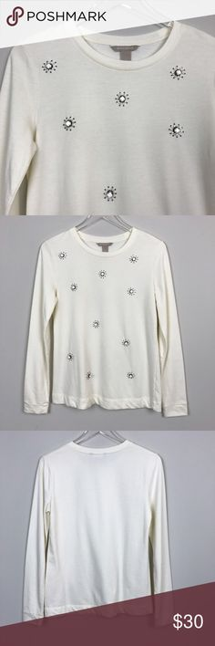 """[Banana Republic] Ivory Embellished Sweatshirt Top Lightweight pullover sweatshirt top. Long sleeve. Bling stud and bead embellishments on front. Ivory.  🔹Pit to Pit: 18"""" 🔹Length: 25"""" 🔹Condition: Excellent pre-owned condition. No missing jewels.  *MM2 Banana Republic Tops Sweatshirts & Hoodies"""
