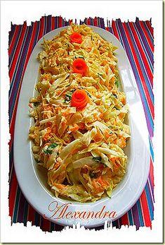 Πολύ απλή και νόστιμη σαλάτα! Υλικά λάχανο ψιλοκομμένο καρότο τριμμένο στον λεπτό τρίφτης σέλινο ψιλοκομμένο μαγιονέζα ξύδι σκόρδο...