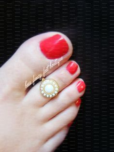 Toe Ring  Indian  Winter White  Gold   by FancyFeetBoutique