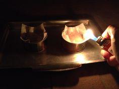 Як швидко підігріти тунця в консерві з допомогою запальнички і туалетного паперу