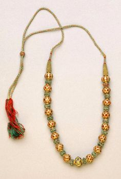 Probably made in Karnataka, India | Gold, rubies, emeralds, silk and gold thread necklace | ca. 18th - 19th century