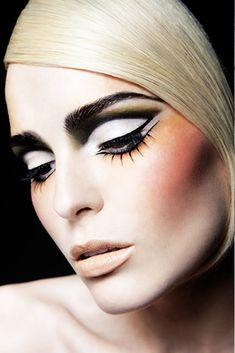 Creative eyeliner. What do you think about this look? Makeup: Zoe Clark Website: www.ZoeClark.com Twitter: @zoeclarkmakeup Photographer: Barry McCall Website: www.barrymccallphotographer.com Model: Unknown #MUAM #MUAMtalk #Makeup