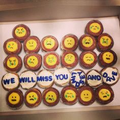 Emoji Cupcakes, Going Away Party Going Away Cupcakes, Fun Cupcakes, Moving Away Parties, Cake Icing Tips, Farewell Cake, Going Away Presents, Goodbye Party, Trunk Party, Retirement Parties