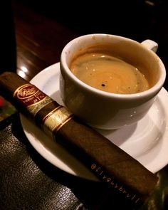 Cigars And Whiskey, Good Cigars, Pipes And Cigars, Cuban Cigars, Coffee Drinks, Coffee Cups, Chocolate Cigars, Expresso Coffee, Cuban Coffee