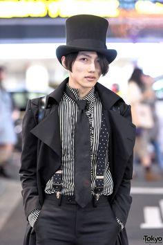 Male gothic lolita