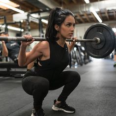 All about the depth. Jazmine Garcia owning leg day in the new all black Flex Leggings Shop > Gymshark.com