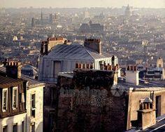 Blick auf die Häuser von Paris, 1967 Juergen/Timeline Images #60s #1960s #60er #Frankreich #Dächer #Rooftops #Stadtbild