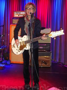 Tom Petersson At the Grammy Museum
