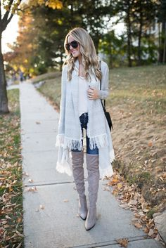 Great fall outfit - Cardigan, Dark Jeans, Grey Boots, Black accessories