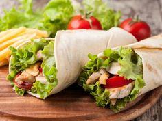 Receta de Lunch Nutritivo y Rápido | Esta receta de lunch nutritivo y rápido es muy completo pero sencillo y delicioso para los niños. Mándales éste wrap de pollo a tus hijos en éste regreso a clases y asegúrate de su buena alimentación, además de que les encantará.