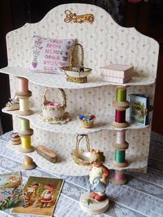 Linho e Alfazema: cartonnage, shelf with bobbins for my little treasures (30x33) cm