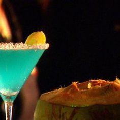 Mai Kai Martini: 2 ozs coconut water Malibu Rum. 2 ozs pineapple juice. 1 oz blue curacao. 1 oz vodka. dry vermouth spritz. 1 wedge lime shaken. #Drinks #Martini