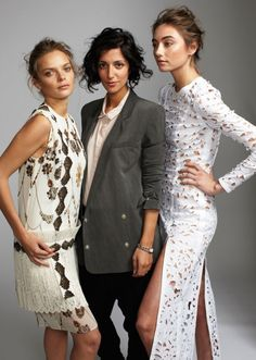 yasmin sewell somehow outshining models, using her amazing hair and blazer sense
