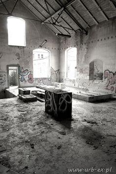 Abandoned psychiatric hospital _owinska