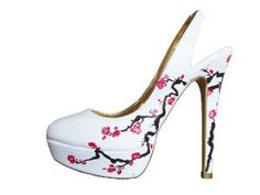 Aside from the fact that I would KILL white shoes, I love these :)