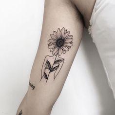 Sunflower Foot Tattoos, Flower Spine Tattoos, Sunflower Tattoo Sleeve, Sunflower Tattoo Shoulder, Sunflower Tattoo Design, Forearm Tattoos, Body Art Tattoos, New Tattoos, Sleeve Tattoos