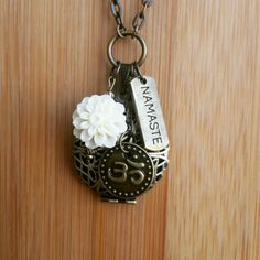 Essential Oil Aromatherapy Diffuser Necklace. $27.99 plus shipping.  www.etsy.com/shop/EssentiallyElegant