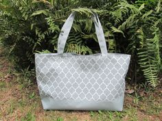 Aliexpress.com : Buy New Comer Hot Sale Quatrefoil Printing Design Large Tote Bags Beach Bag With Many Different Colors To Choose From QUA 105001 from Reliable Totes suppliers on DOMIL WHOLESALE ONLINE