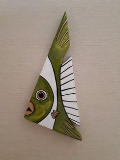 32 Awesome Fish Wall Decoration – House The Design Fish Wall Decor, Fish Wall Art, Fish Art, Driftwood Projects, Driftwood Art, Fish Sculpture, Wood Sculpture, Wooden Art, Wooden Crafts