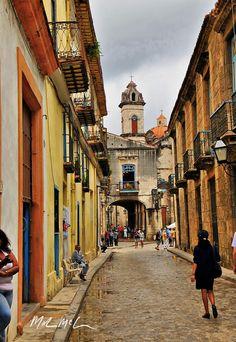 coblestone streets havanaTravel photography from Photography Talk. http://www.photographytalk.com/