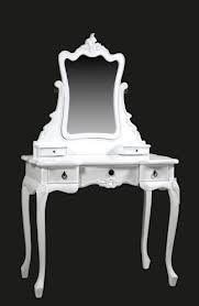 ik heb deze barok make-up tafel voor in me kamer ben er erg blij mee ...