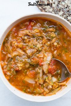 Cabbage soup with tomatoes and lentils Vegetarian Cabbage, Vegetarian Recipes, Cooking Recipes, Healthy Recipes, Best Soup Recipes, Dinner Recipes, Christmas Soup, Vegan Soups, Vegan Food