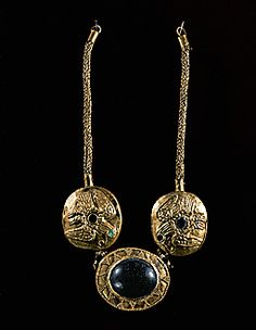 PARTHIAN JEWELRY 3RD BCE-1ST CE  Gold necklace with semi-precious stones (1st-3rd CE) from Dailabar. Cat. 134 268  British Museum, London, Great Britain