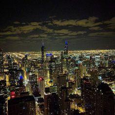 Chicago @ night #signatureloundge #360 #95thfloor #windycity