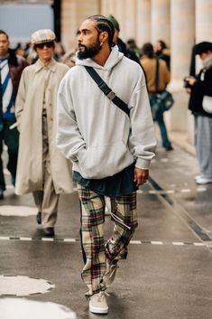 3 Fun Tips AND Tricks: Urban Fashion Shoot Senior Pics urban wear for men streetwear.Urban Wear For Men Internet women's urban fashion diamonds. Edgy Summer Fashion, Next Fashion, Fashion Week Paris, Best Mens Fashion, Fashion Mode, Cool Street Fashion, Trendy Fashion, Fashion Couple, Fashion Hats