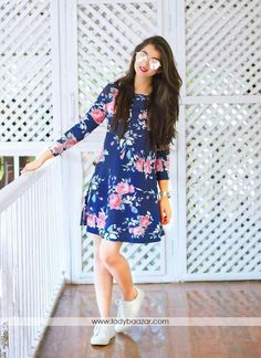 Fashion and pattern could be at the peak of your magnificence once you attire this blue flower print crepe party wear dress. The print work seems chic and great for any get together. Stylish Dresses, Trendy Outfits, Fashion Dresses, Stylish Girls Photos, Stylish Girl Pic, Western Dresses, Western Outfits, Western Wear, Casual Frocks