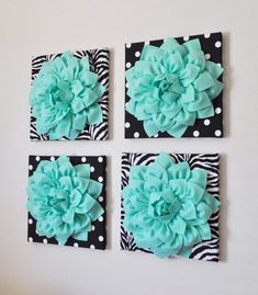 Wall Decor -SET OF FOUR Mint Dahlias on Black and White Prints 12 Canvases Wall Art from bedbuggs on Etsy. Saved to Things I want as gifts. Wall Decor Set, Diy Wall Art, Canvas Wall Art, Diy Art, Diy Canvas, Wall Décor, Wall Decals, Do It Yourself Decoration, Decoration Inspiration