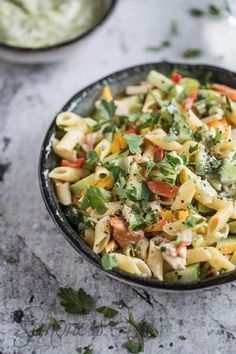 Quick pasta salad with chicken and pesto - Food - Nudelsalat Quick Healthy Meals, Good Healthy Recipes, Pasta Recipes, Salad Recipes, Chicken Bacon Pasta, Happy Foods, Penne, Easy Cooking, Italian Recipes