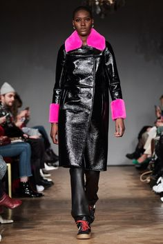 Fashion Week Sthlm: Alla looks från Stand Colorful Fashion, Modern Fashion, Fashion Design, Stockholm Fashion Week, Winter Outfits, Winter Clothes, Winter Jackets, Winter Coats, Couture Fashion