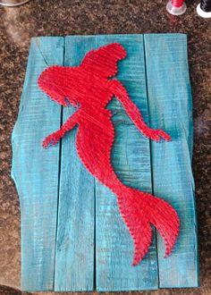 Mermaid String Art by BrennanAthan on Facebook Yarn Crafts, Diy And Crafts, Arts And Crafts, Hilograma Ideas, Nail String Art, Disney String Art, Arte Linear, String Art Patterns, Art Addiction